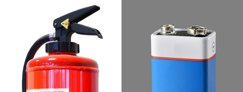 Illustration zum Brandschutz-Fachartikel Li-Batterielagerung von Dr.-Ing. Wolfgang J. Friedl. Li-Batterien bergen Gefahren, die sich potenzieren, sobald große Mengen gelagert werden. Wie Batterielagerung sicherer geht, zeigt dieser Fachartikel.